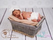 Rüschenhöschen für Neugeborene-2 Monate WEISS
