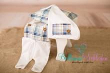 neu! 3 teiliges SET (!) Mützchen , Latzhose und Kissen für Newborns
