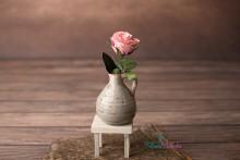 Kleine Shabby Vase in grau-beige